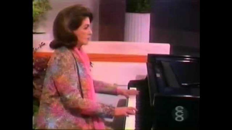 CONSUELO VELAZQUEZ SU PIANO Y ORQUESTA - BESAME MUCHO