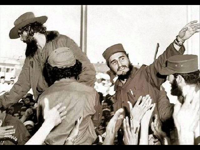 Y en eso llego Fidel - Carlos Puebla