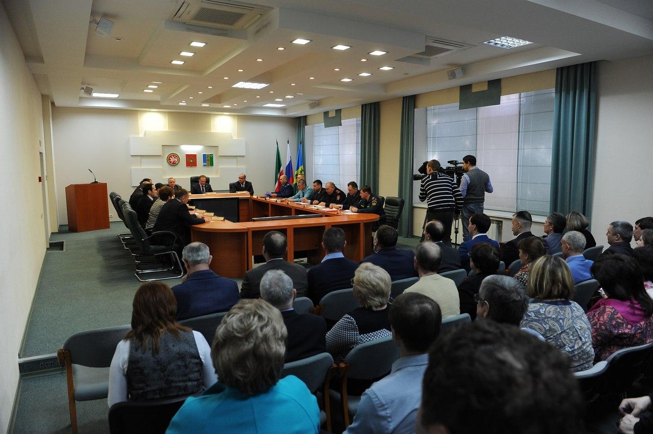 Айдар Метшин призвал искать «золотую середину» между чрезмерным контролем предпринимателей и пожарной безопасностью