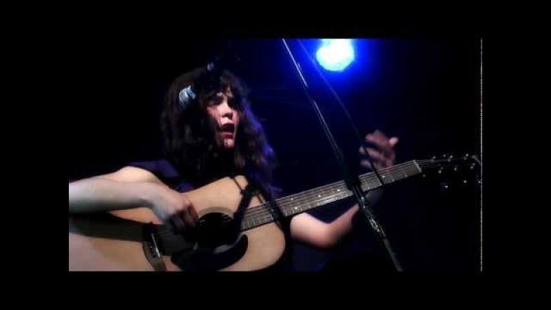 Camila Moreno en Francia Cosas que no se rompen