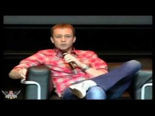 Tiago Leifert Explicando porque a Globo só passa jogo do Corinthians