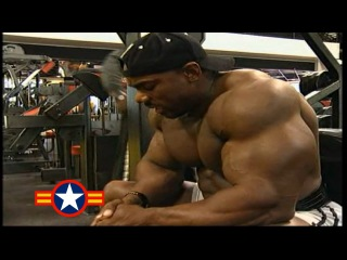 FLEX WHEELER - SHOULDERS WORKOUT FOR 2000 MR.OLYMPIA