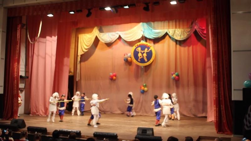Лауреаты I степени межрегиональном конкурсе хореографических коллективов Плясица - 2015