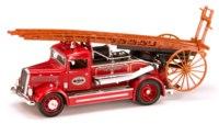 Коллекционная модель. пожарная машина dennis light four, Yat Ming