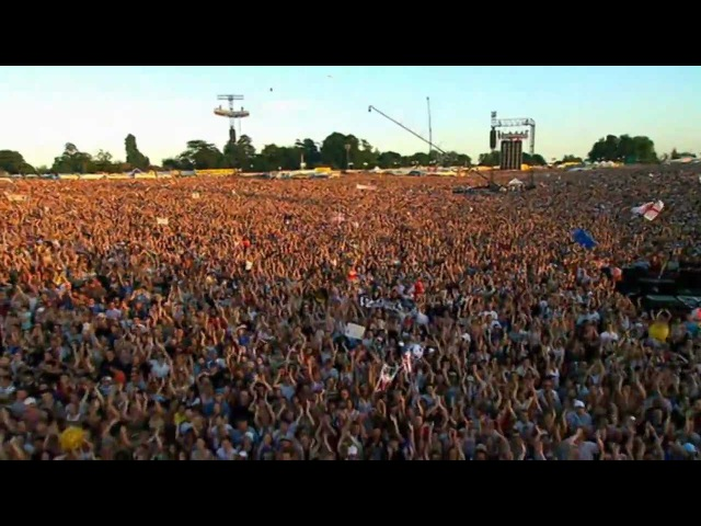Robbie Williams - Intro Let Me Entertain You - Live at Knebworth