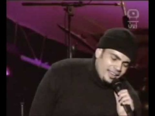 Amr Diab - Betw'hashny - Exclusive