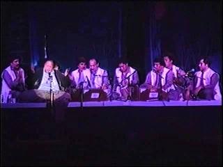 Nusrat Fateh Ali Khan - Ae Khatm e Rusul Maki Madani [ Live In Rivermead Festival London ]