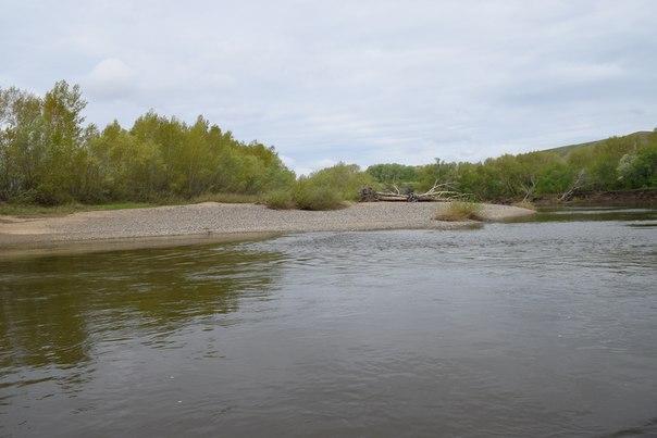 Пляж на левом берегу р.Урал