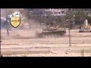Подбитый исламистами из РПГ-7 танк Т-72, попытка экипажа спастись бегством. Жесть