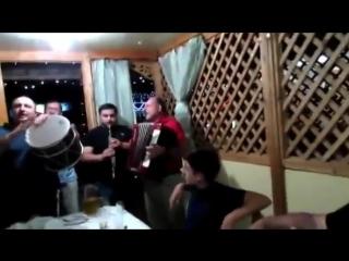 Грузины поют ремикс песни День Победы