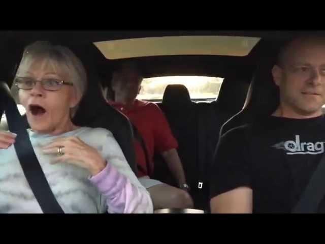 Разгон Tesla Model S P85D (0 -100 за 3.2 сек) | Сумасшедшая реакция пассажиров