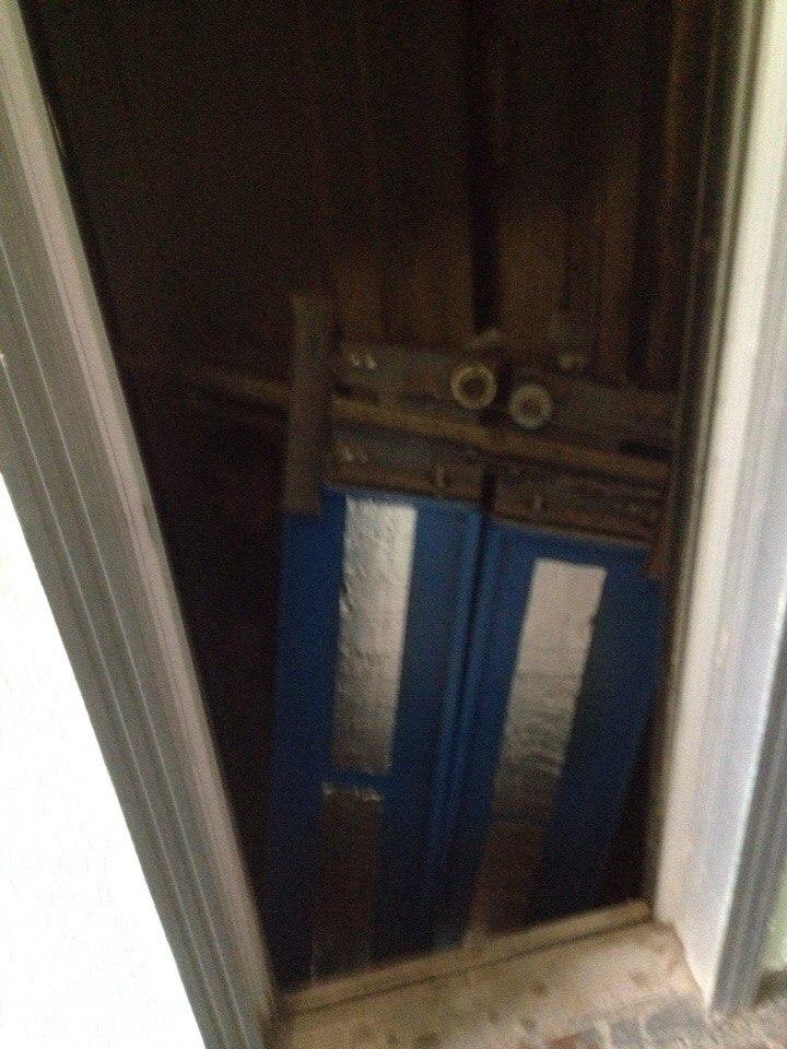 железные двери от лифта в солнцево
