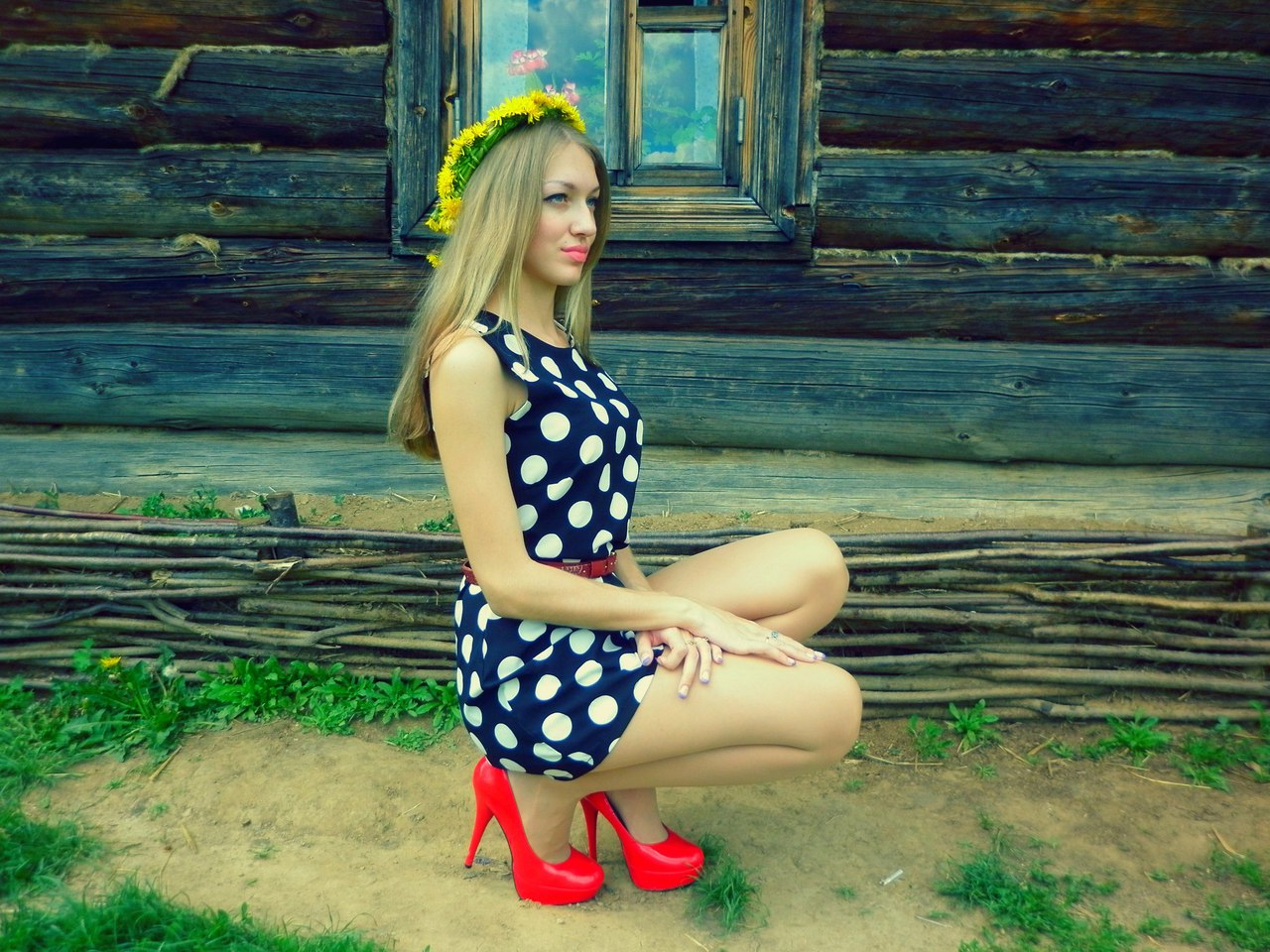 Найти фото девушек из соцсетей русских