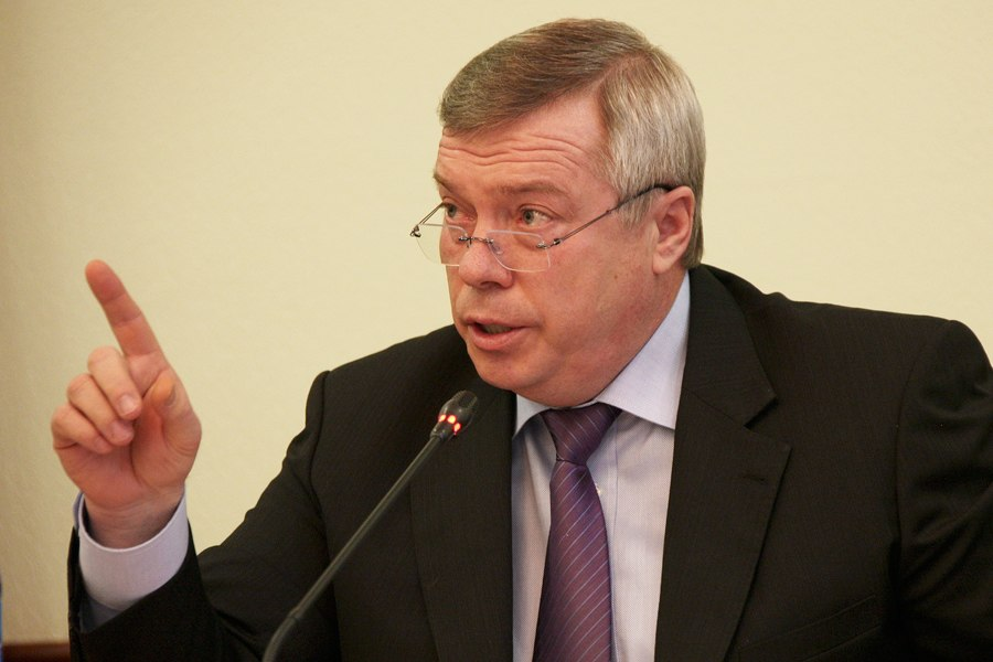 Губернатор РО Василий Голубев вновь раскритиковал работу мэра Таганрога Владимира Прасолова