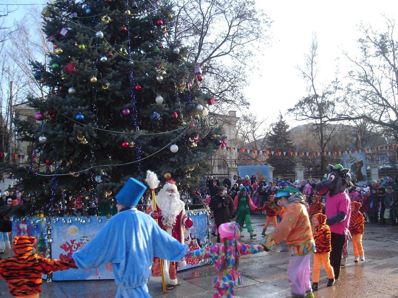 Новогодняя елка в Таганроге откроется 24 декабря
