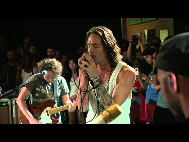 Incubus - Isadore [HQ Live In Los Angeles]