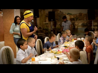 Праздник для детишек из детского дома в ресторане