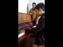 Men ve Pianoda Ruslan Mewq Kaman ayriliq negmesin calar