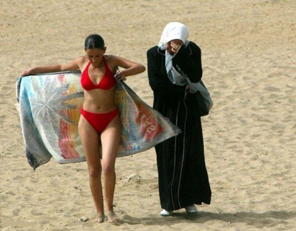 Самые смешные «пляжные» законы на популярных курортах