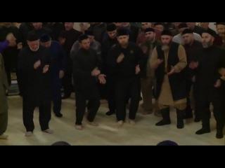 Рамзан Кадыров на мавлиде, это танец или зикр