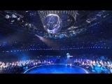 Lindsey Stirling - Crystallize - Violin Dubstep - live with Helene Fischer acrobatics Show Germany