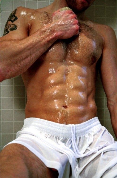 Мокрые голые парни фото 15414 фотография