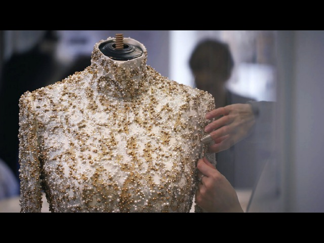 Making-of the CHANEL Fall-Winter 2014/15 Haute Couture Collection