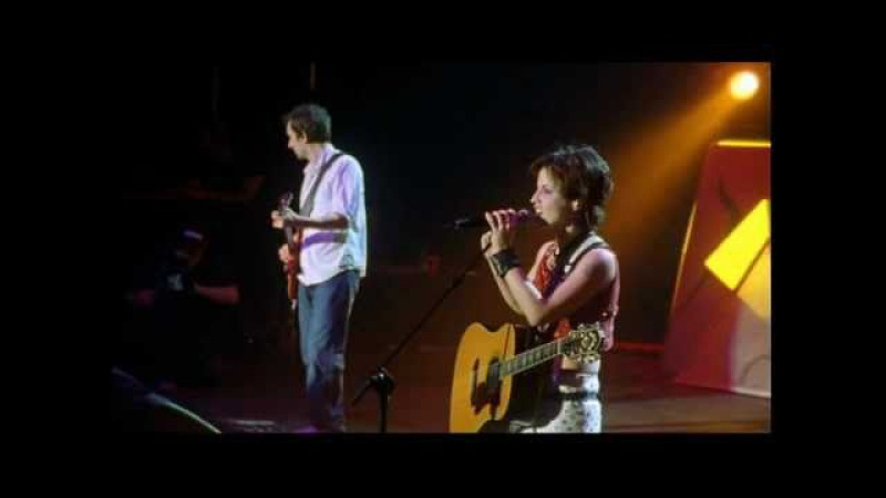The Cranberries - Waltzing Back (Live in Paris 1999)