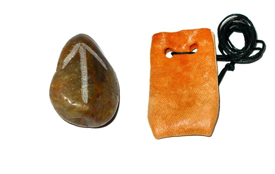 Рунические амулеты, талисманы ( камень ) с магическими программами.  V_NyL9ltUr0
