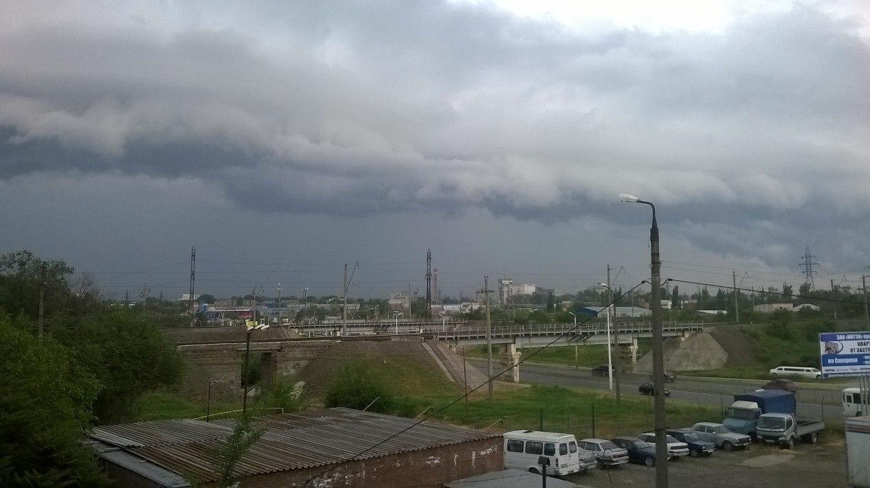 МЧС: Сегодня и завтра в Таганроге и области ожидается град и шквалистый ветер до 20 м/с