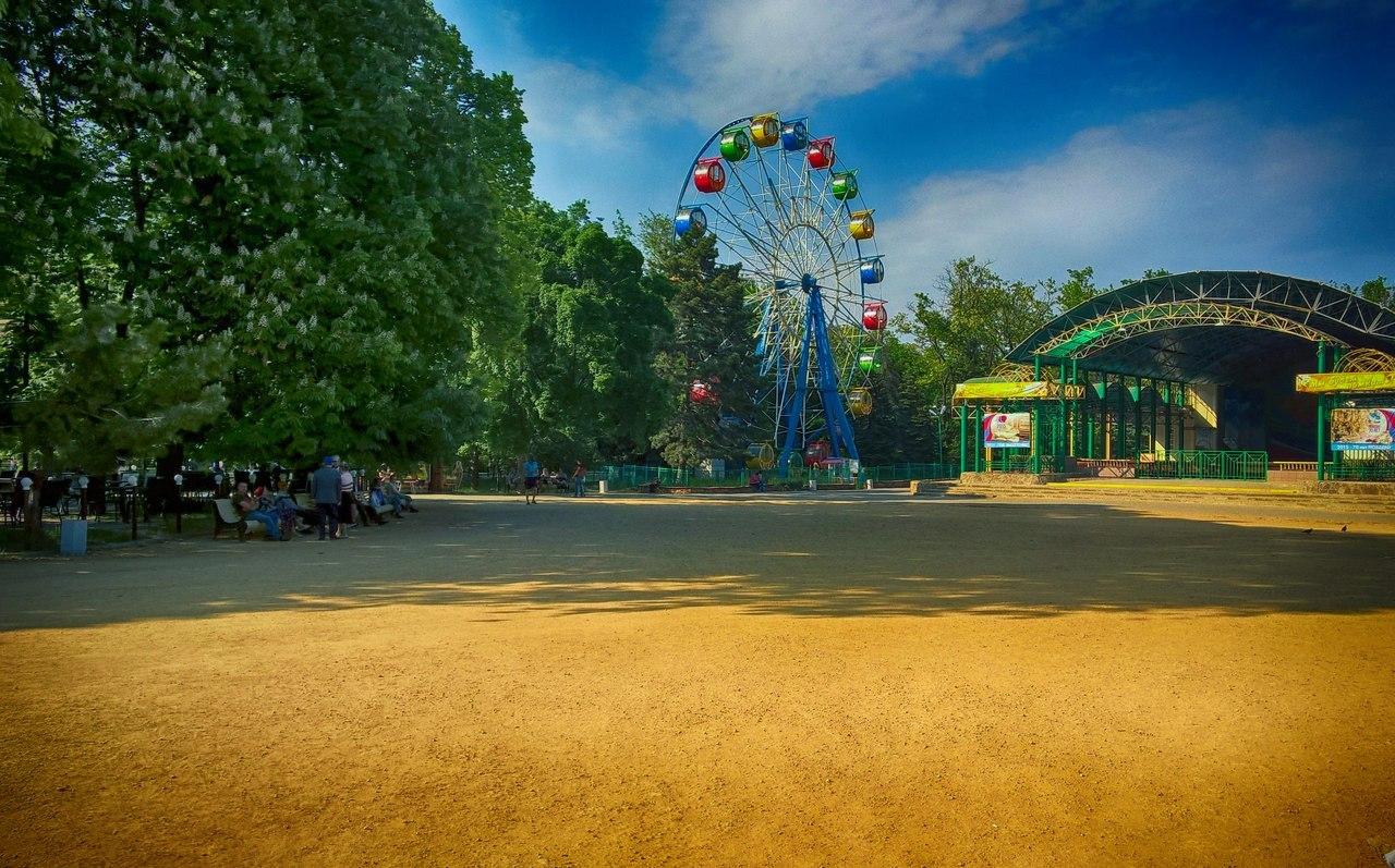 В Таганроге в парке Горького пройдет мероприятие «Народные артистки на дороге не валяются»