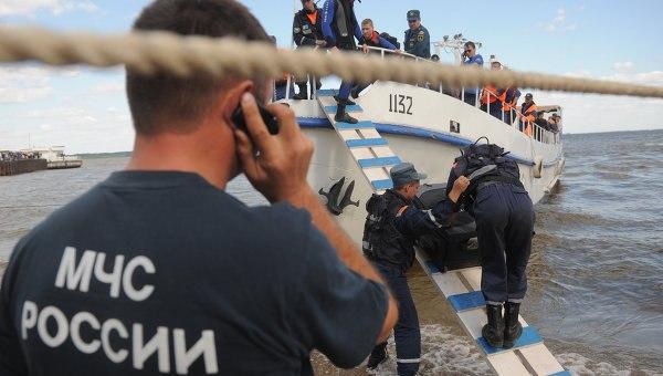 В Ростовской области женщин-кок упала в груженый камнями трюм теплохода «Арак-1»