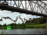 Video of crazy Russian rope jumping: 133 people in record joint jump