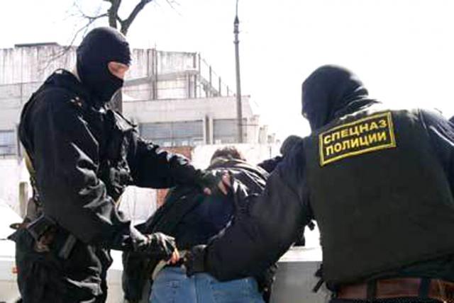 В Таганроге 45-летний мужчина продавал «домашнюю» марихуаной