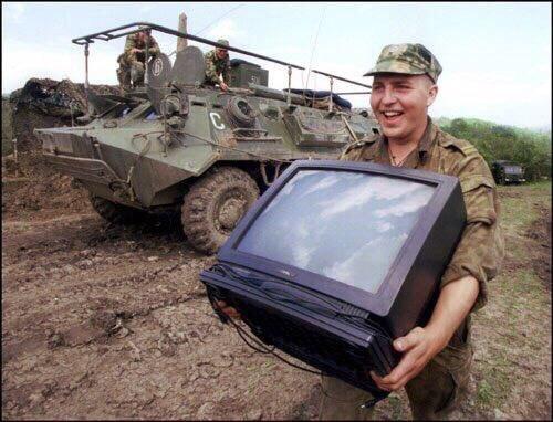 Военнослужащие РФ воруют конструкции донецкого аэропорта для сдачи на металлом, - ГУР Минобороны - Цензор.НЕТ 8526
