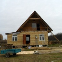 Строим общий дом в сельхозобщине Кукуйка