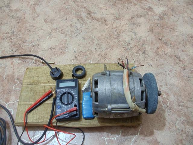 Как подключить двигатель от стиральной машины без конденсатора к 220В 1 Часть. Як підключити мотор від пральки.Двигатель от стиральной машинки.Как подключить мотор к 220В.Как сделать Наждак Своими Руками.Подключаем двигатель от стиральной машины малютки б