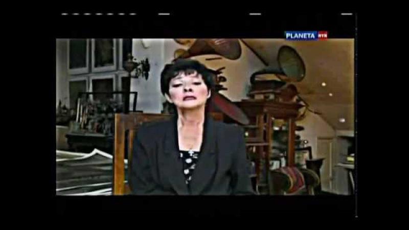 Белла Ахмадулина «По улице моей который год..»