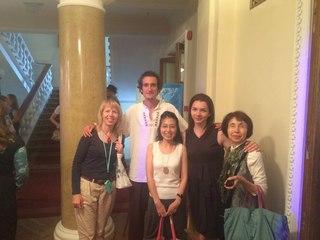 Японская делегация и переводчик