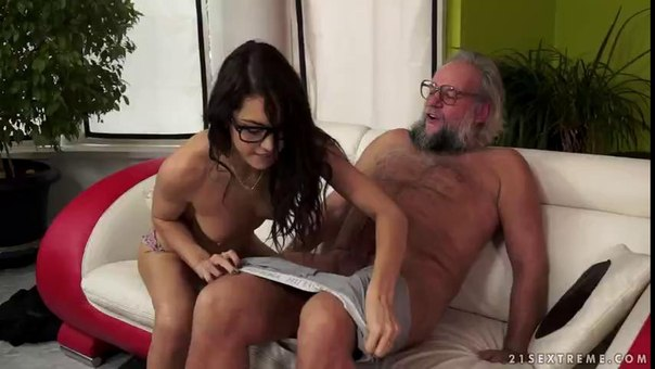Zoliboy – Carolina Abril – Smart And Smarter