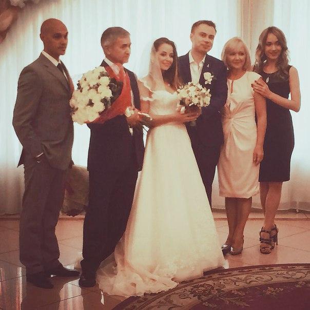 Иван абрамов квн женился фото со свадьбы