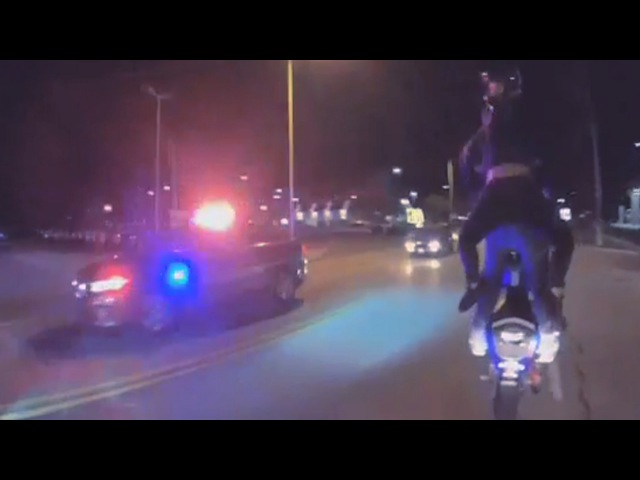 Police VS Motorcycle Wheelie With Girl Running From The Cops While Doing Tandem Bike Stunts 2UP 2016