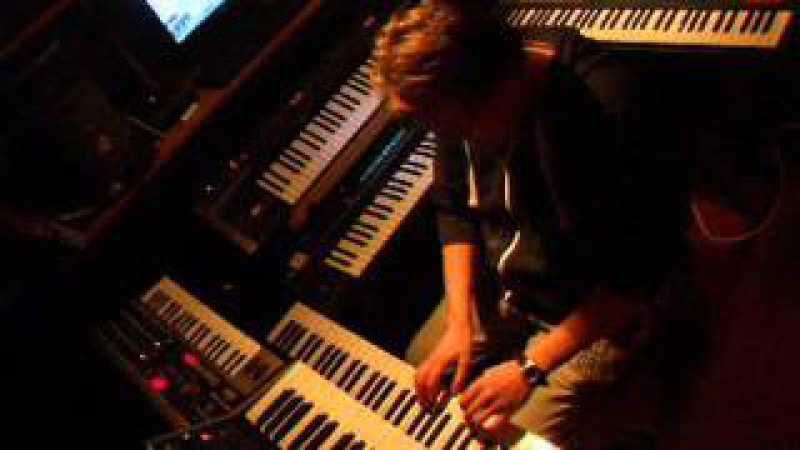 Vangelis Reve . A live synth jam by mik300z