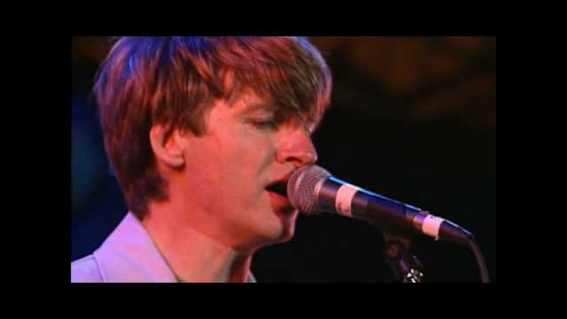 Crowded House - Dont Dream Its Over Live (HQ)