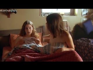Джессика Паре (Jessica Paré) и Пайпер Перабо (Piper Perabo) голые - Вас не догонят (Lost and Delirious, 2001, Леа Пул)