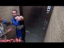 2yxa ru Samye strashnye rozygryshi v lift VR XbbtVxO8