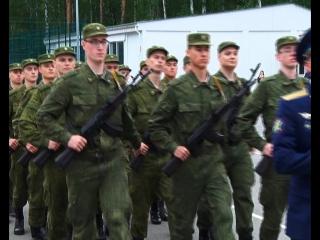 Вчера - студенты, сегодня - солдаты. Первоуральцы приняли присягу в подшефной воинской части ПНТЗ.