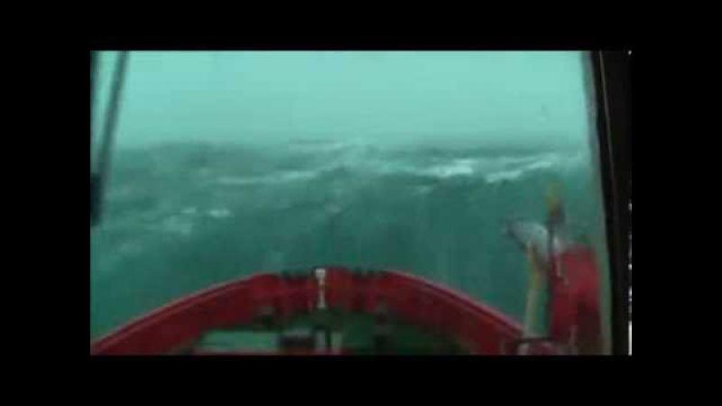 Корабли попавшие в 12 бальный шторм Сильный шторм в океане корабли гиганты самые большие лайнеры