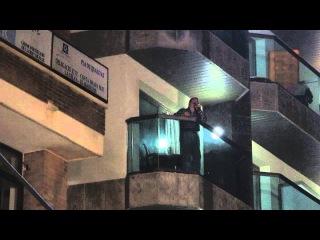 Вилли Токарев поёт с балкона отеля Miramar в Льорет де Мар