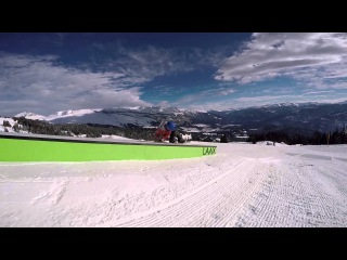 Помнишь себя в 10 лет? Benni Fridbjornsson из Акюрейри, городок в Исландии, на сноуборде с 5 лет!  Уже в свои 10 он имеет в своем арсенале приличный набор трюков, например, Double Backflips и 720s. То ли еще будет!